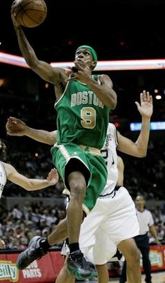 Чемпионат НБА. Бостон Селтикс обыграл чемпиона.