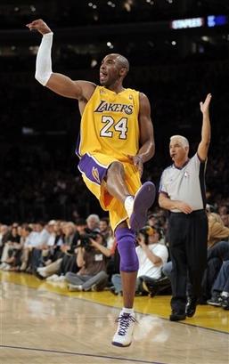 Чемпионат НБА. Брайант забивает-Лейкерс побеждает: 2-0 в серии!