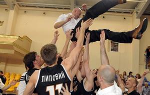 Саша Обрадович привел Донецк к чемпионству!
