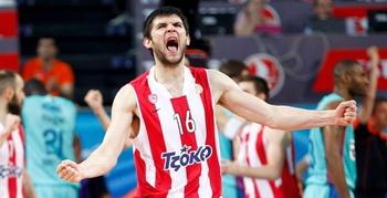 Костас Папаниколау: наконец-то Олимпиакос стал чемпионом!